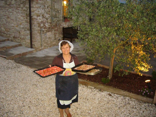 Dina-with-Pizza-600x450